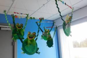 2019-02-27 : Brico-kids : les grenouilles suspendues